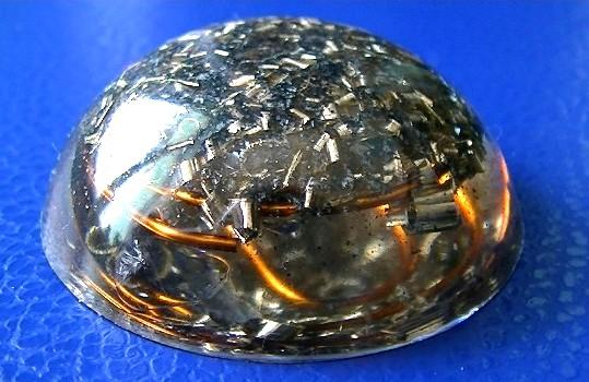 Pandantiv orgonic hemisferic transparent
