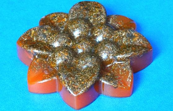 Floare orgonica portocalie cu 8 petale