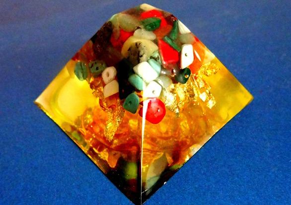 Piramida orgonica Crystal