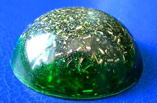 Pandantiv orgonic hemisferic verde